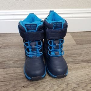 Carters Snow Boot Size 9